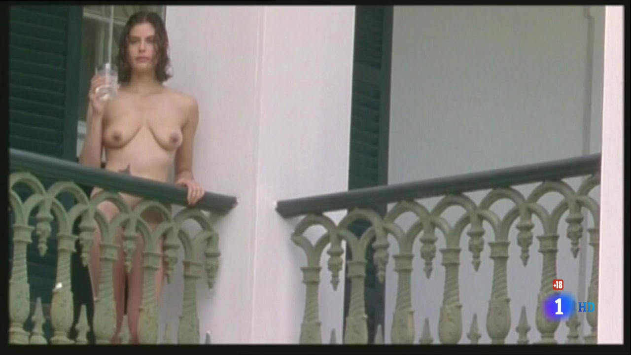 Teri Hatcher (1996) Prisioneros Del Cielo 0369.jpg